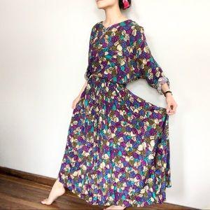 Vibrant vintage leafy maxi dress